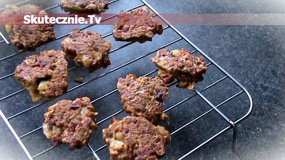 Mięsne jeżyki -kotleciki z cebulą i kiełbasą
