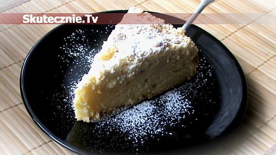 Wilgotne ciasto jogurtowe z jabłkami pod kruszonką