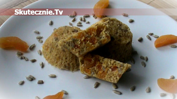 Muffinki otrębowe z morelą i słonecznikiem