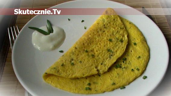 Twarogowy omlet ze szczypiorkiem