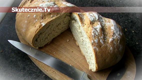 Domowy chleb czosnkowo-ziołowy