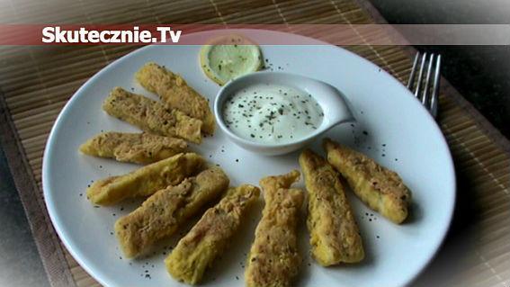 Złocista ryba w chrupiącej panierce kukurydzianej