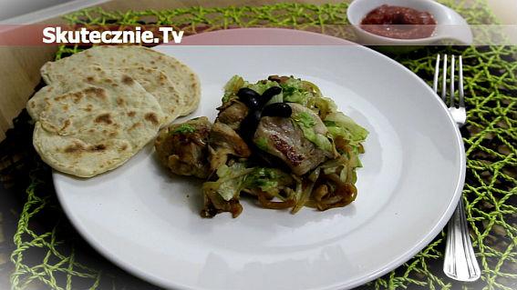 Imbirowe udka w sałacie i cebuli