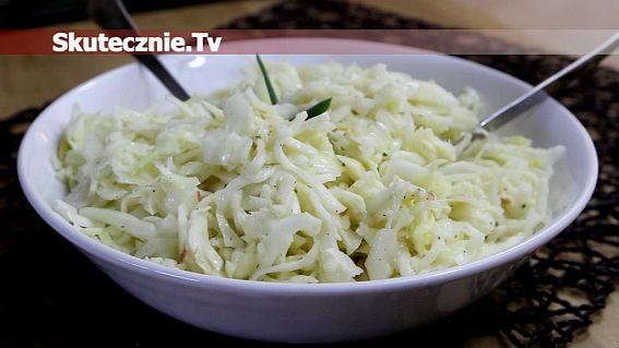 Surówka obiadowa -kapusta, jabłko, sos;)