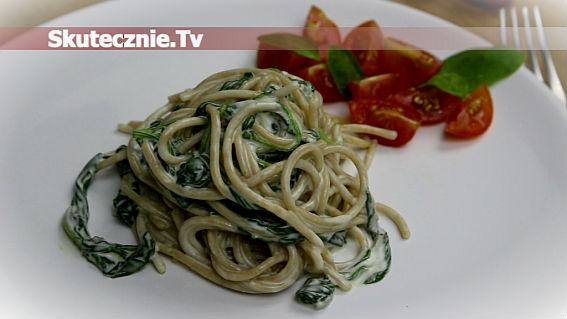 Spaghetti ze szpinakiem w sosie serowym -pyszne