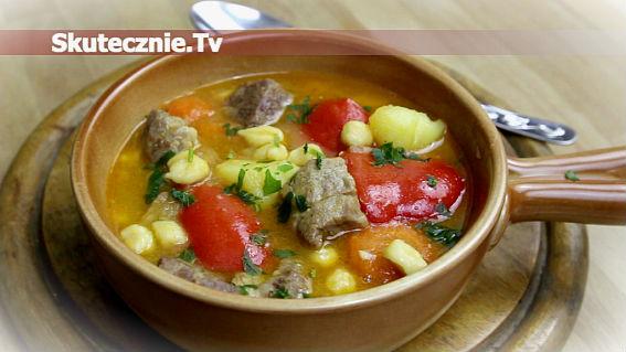 Gulyas -gulasz węgierski z warzywami i csipetke