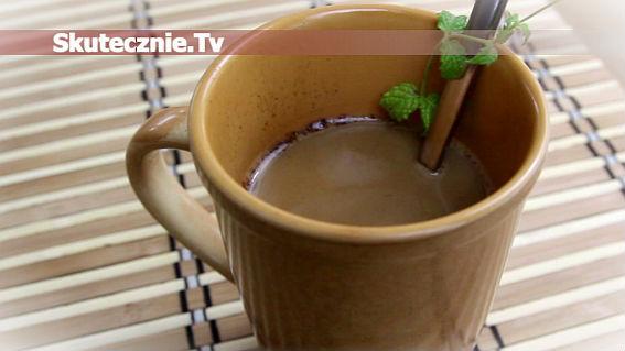 Kawa miętowa z cynamonem i czekoladą