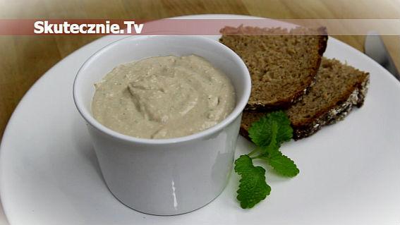 Pasta kanapkowa z makrelą, suszonymi pomidorami i bazylią