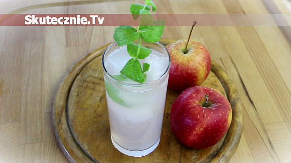 Orzeźwiający kompot jabłkowy z miętą