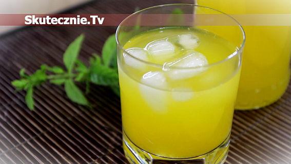 Napój pomarańczowo-marchwiowy