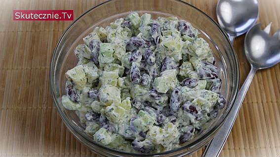 Pyszna sałatka ziemniaczana -ogórek, fasolka, koperek