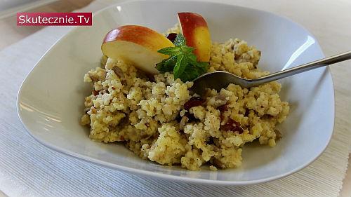 Kasza jaglana z  owocami (jaglanka na śniadanie)