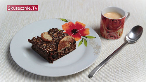 Placek herbaciany z suszoną śliwką i jabłkiem