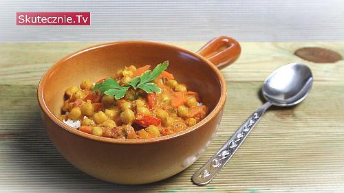 Rozgrzewająca ciecierzyca z curry, marchwią i papryką