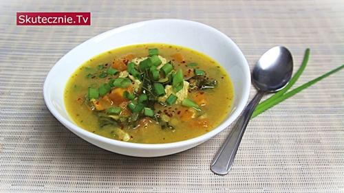 Pikantna zupa z batatami, indykiem i soczewicą