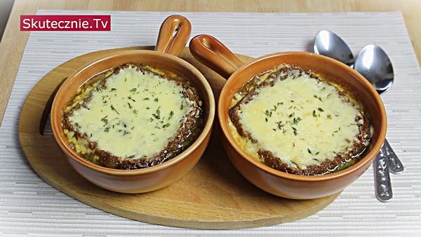 Znakomita zupa cebulowa