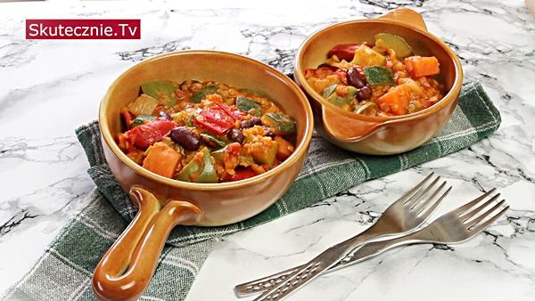 Gulasz warzywny z  papryką i soczewicą (w stylu meksykańskim)