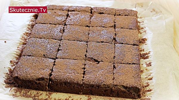Ciasto czekoladowe z orzechów i pomarańczy