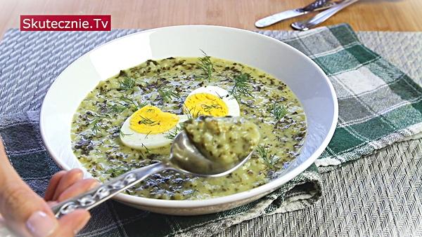 Zaskakująco pyszna zupa jarmużowa (jak szczawiowa