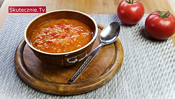 Zupa pomidorowa z soczewicą, papryką, imbirem i czosnkiem