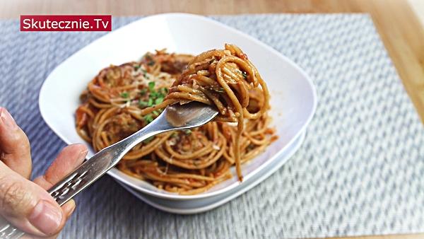 Jednogarnkowe spaghetti z klopsikami