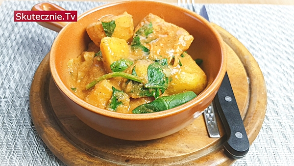 Ziemniaki z indykiem w sosie warzywnym ze szpinakiem | BEZ STATYWU