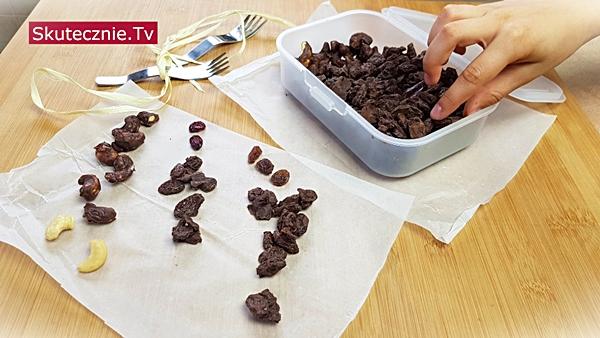 Rodzynki w czekoladzie. Domowe słodycze w czekoladzie