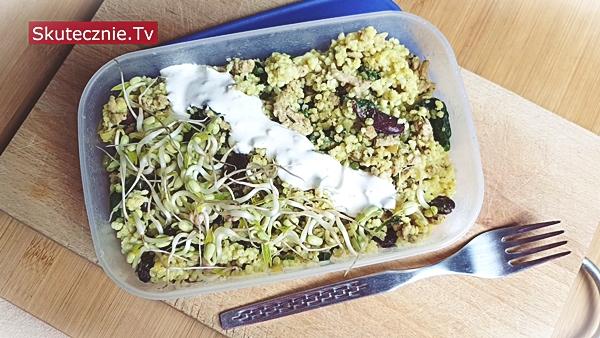 Szybki obiad. Kasza jaglana z mięsem, fasolą i ziołami