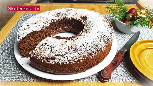Ciasto kawowo-korzenne z miodem i orzechami
