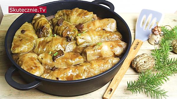 Wigilijne gołąbki z ziemniakami i kaszą w sosie grzybowym