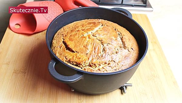 Ciasto cynamonowe z jabłkiem (ciasto z garnka)