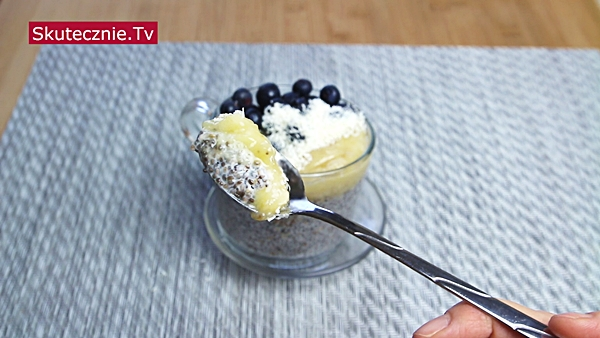Jasny pudding chia z bananem i borówką (2 smaki)