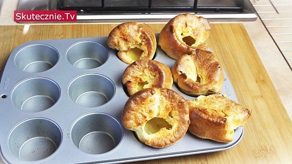 Popovers w formie na muffiny – klasyczne i pełnoziarniste