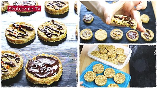 Błyskawiczne ciastka bez pieczenia (do kawy i na przekąskę)