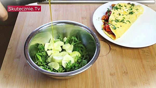 Zielona sałatka do omleta