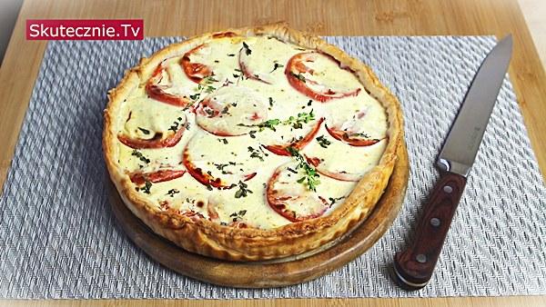Tarta francuska z cebulą i pomidorem