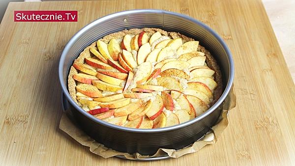 Tarta gryczana z jabłkami i cynamonem