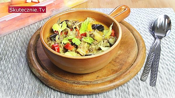 Wołowina z warzywami w prostym sosie kokosowym