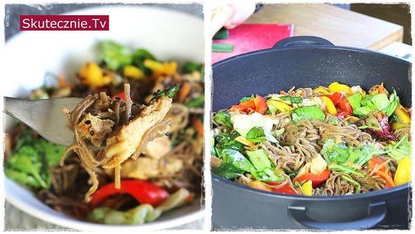 Szybki obiad  • Soba z indykiem i papryką (+opcja: kalafior)