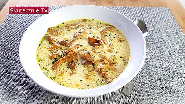 Zupa kurkowa z selerem i pietruszką