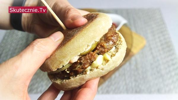 Bułki z patelni (English muffins) na zakwasie •Jajko,szynka,ser •Na słodko •Burgery