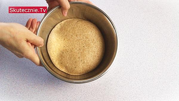 Domowe krakersy z solą, oregano i chili (cieniutkie i chrupiące)
