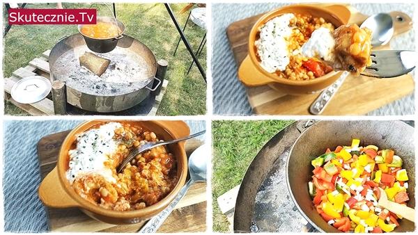 KOCIOŁEK. Kurczak w pomidorach z papryką i twarogiem śmietanowym
